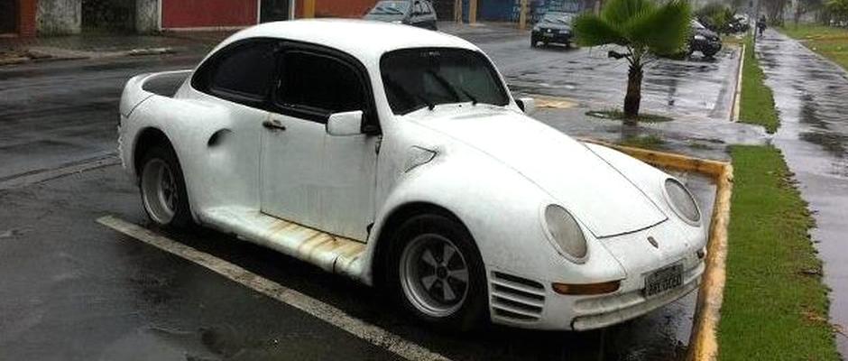 Je to Porsche nebo Brouk? Oboje.